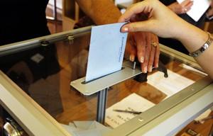 Tirs croisés à l'approche des élections