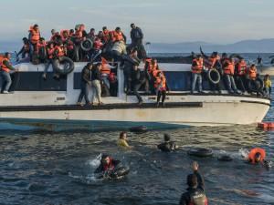 La « crise des migrants » : une opération menée par Bruxelles avec l'aide des médias et des ONG.