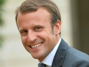 Macron : un faux candidat anti-système.