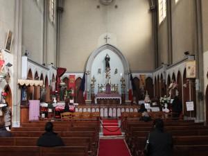 Paris : Les CRS expulsent par la force les fidèles de l'église Sainte Rita.