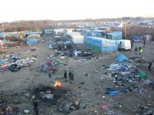 Les clandestins continuent de s'installer dans la « Jungle » de Calais…